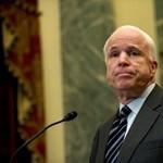 McCain a keddi budapesti tüntetésről posztolt a Facebookon