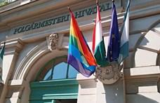 Újra leng a szivárványos zászló a ferencvárosi városházán