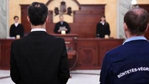 Döntött a Kúria: le kell ülnie kiszabott büntetését a lúgos orvosnak