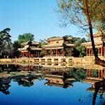 Szálloda és étterem egy kolostor udvarán Kínában