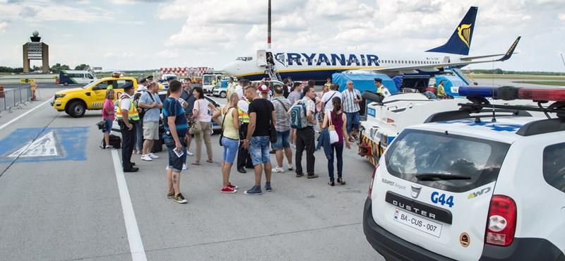 bff5f55b4ac8 Gazdaság: Sűrűn kéri az elnézéseket a Ryanair a vasárnapi, újabb ...