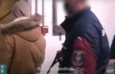 Állást kínált, tizenévesektől is intim fotókat kért egy budapesti férfi