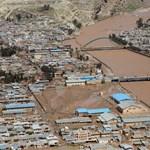 Hatalmas áradások Iránban, Teherán szerint az USA is felelős
