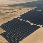 """""""Fillérekért"""" építik meg a világ legnagyobb napelemfarmját, 2 GW energiát fog termelni"""