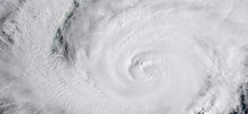 Sokkolta az űrhajósokat a Florence hurrikán látványa az űrből