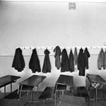 Tanárok és diákok egyaránt bajban: ki védi meg őket?