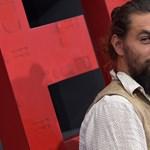 Budapesten csináltatott új tetoválást Jason Momoa, és imádja