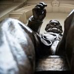 Új helyre került a Budapesti Corvinus Egyetem Marx-szobra