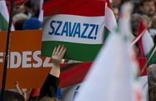 A svéd konzervatívok indítványozták a Fidesz kizárását a Néppártból