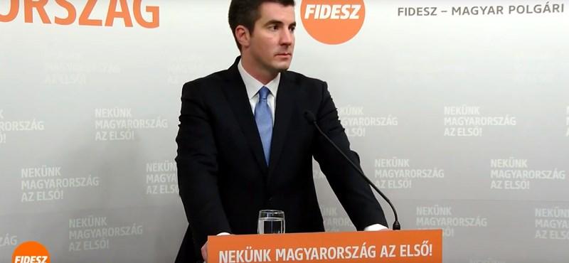 Kezdődik a Fidesz frakcióülése: bevándorlás és családok a téma