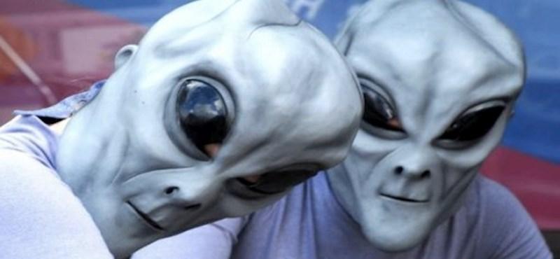 Az ufóhívők már a legnagyobb pornóoldalon keresik a földönkívülieket