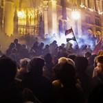 Az Alkotmánybíróság szerint nem alkotmányossági kérdés, ha egy tüntetőt füstgyertyahasználat miatt megbüntetnek