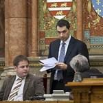 Meghátrált a Fidesz: így módosítanák a házszabályt