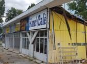 ¿Se puede hacer simplemente desmantelando otra tienda?  En Tihany, se ve así