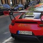 A nap fotói: a valaha készült legdurvább Porsche 911-es a budapesti forgalomban