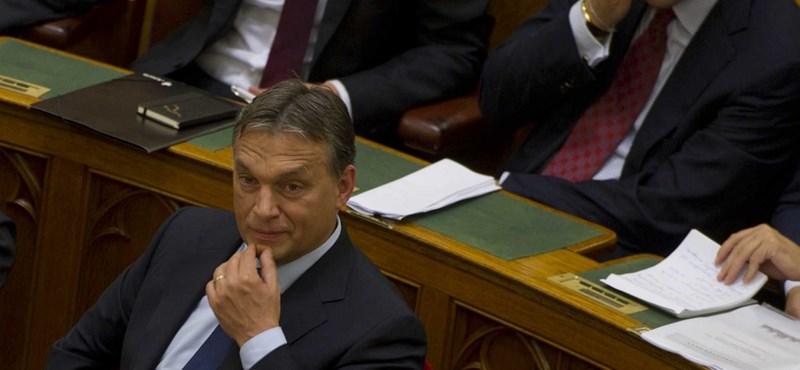 Orbán és Lázár titokban bankokkal találkozgat