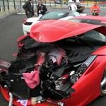 Videó: három Ferrarit sikerült összetörni a Ferrari tulajok napján