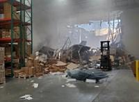 Videó: Felvette a kamera, ahogy raktárba csapódik egy F–16-os repülőgép