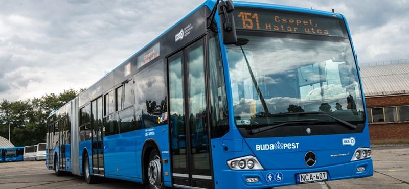 BKV: nincs hajtóvadászat a 45 fokos fülkét lefotózó buszsofőr után