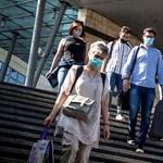 A nagyvárosokban a polgármesterek döntenek, hol kell maszk, a kistelepüléseken nem lesz kötelező a viselése