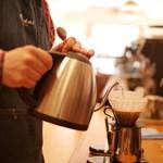 Önti magába a kávét a munkahelyén? Van megoldás a függőségre