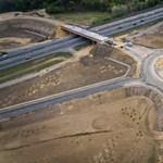 Palkovics: Az a cél, hogy fél óra alatt mindenhonnan elérhető legyen egy négysávos út