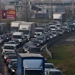 Galéria: kocsisorok Budapesten, tüntetnek a szakszervezetek