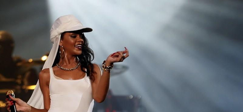 1 millió dollárt kapott Rihanna a ma esti koncertért?