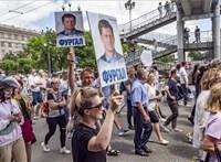 Ezrek tüntettek Oroszországban a letartóztatott kormányzó miatt