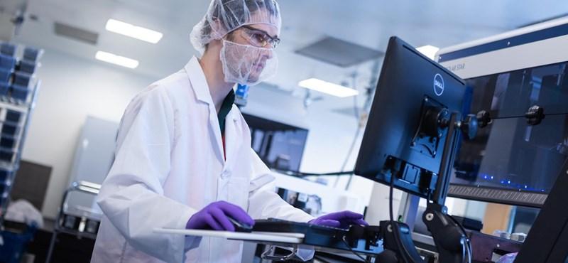 Elkezdődött a Moderna koronavírus-vakcinájának engedélyeztetése