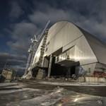 Kezd tönkremenni a csernobili atomerőmű régi szarkofágja, le kell bontani