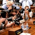 Eric Schmidt - veszélyes a Siri a Google számára