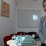 A digitális kor gyermekei felfedezték az írógépet