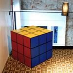 Komód Rubik kockából - színes otthonokba
