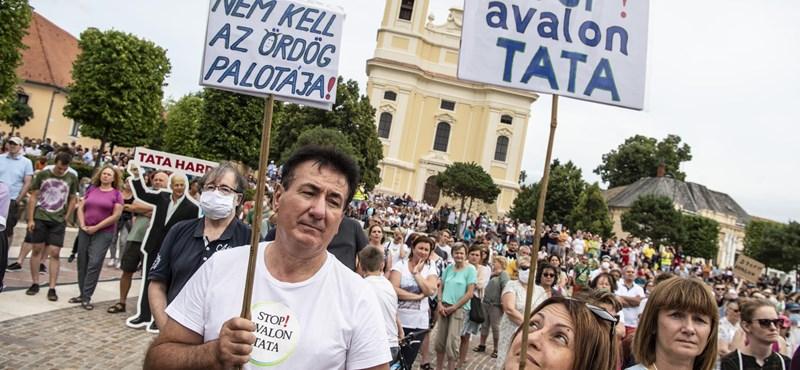A veszélyhelyzetre hivatkozva semmisíttetnék meg a tatai népszavazáshoz összegyűjtött aláírásokat