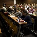 Sokan be sem iratkoztak az egyetemre, a fizetős képzést kevesen vállalták