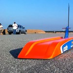 300-zal dönget a leggyorsabb rádiótáviránytású kisautó - videó