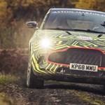 Hivatalos fotókon az Aston Martin sárban száguldó első divatterepjárója