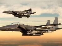 Rakétákat lőttek ki Gázából, Izrael légicsapásokkal válaszolt