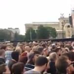 Videó: Kifütyülték Orbánt a Hősök terén