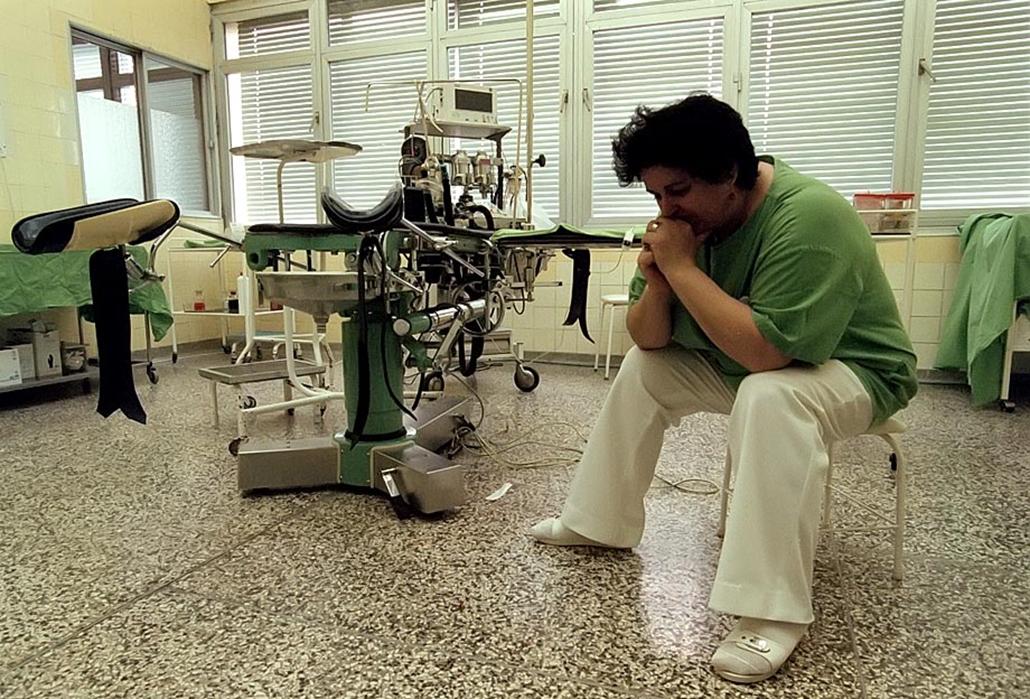 Sztrájkok,tüntetések az elmúlt években- Sztrájk 1999 Sote Női Klinika