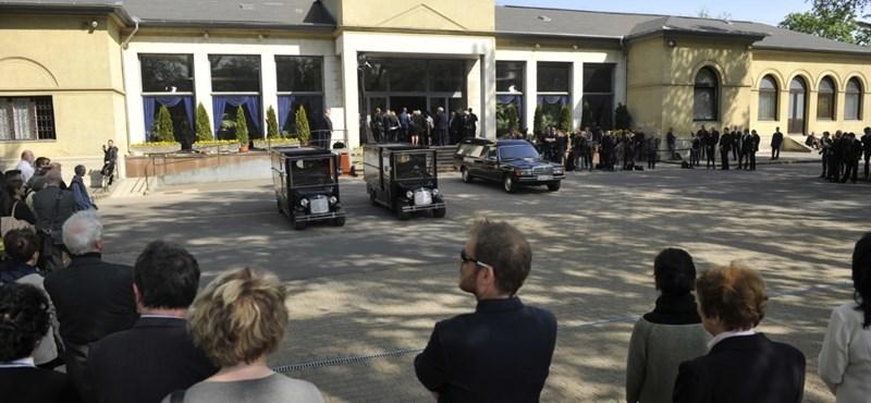 Orbán is elment Kertész Imre temetésére