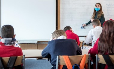 6 ezer pedagógust oltottak be eddig a 195 ezerből
