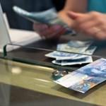 Megint 233 felett frank, de olcsóbb az euró
