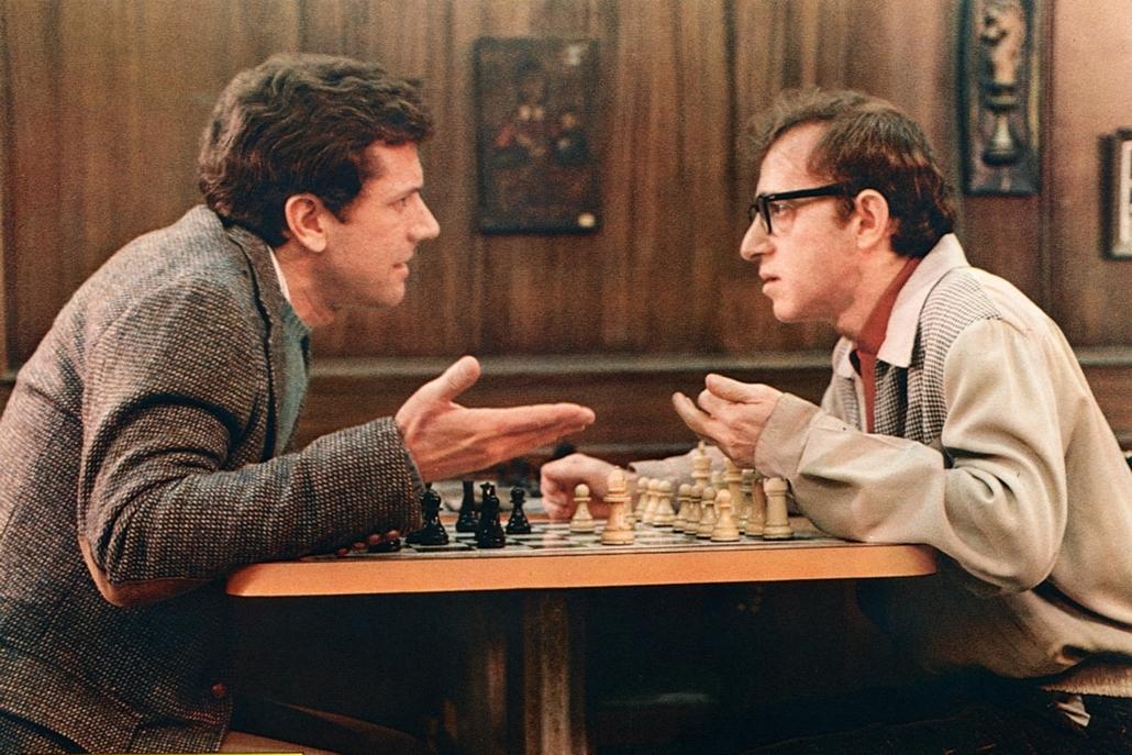afp.1976. - Michael Murphy és Woody Allen A jónevű senki, avagy a stróman (1976) című film egyik jelenetében - nagyítás
