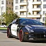 Ilyen lenne egy Ferrari FF rendőrautó - fotók