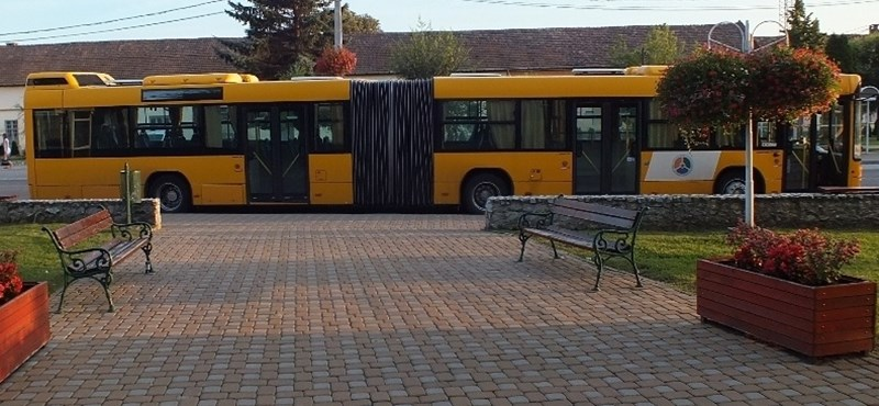 Ecetet öntöttek egy buszsofőr arcába Borsodban