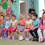 Már óvodás és kisiskolás kortól havi 5-10 ezer forintot költenek a szülők különórákra