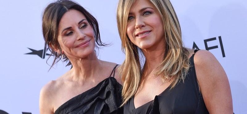 Jennifer Aniston lefagyasztotta az Instagramot