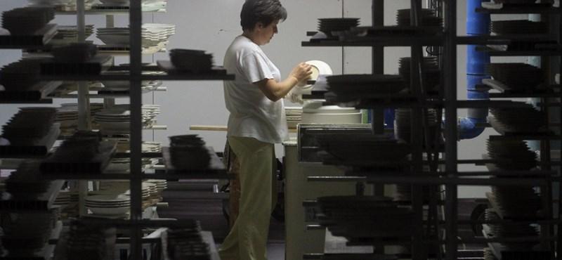 Eladja az állam a hollóházi porcelángyártót